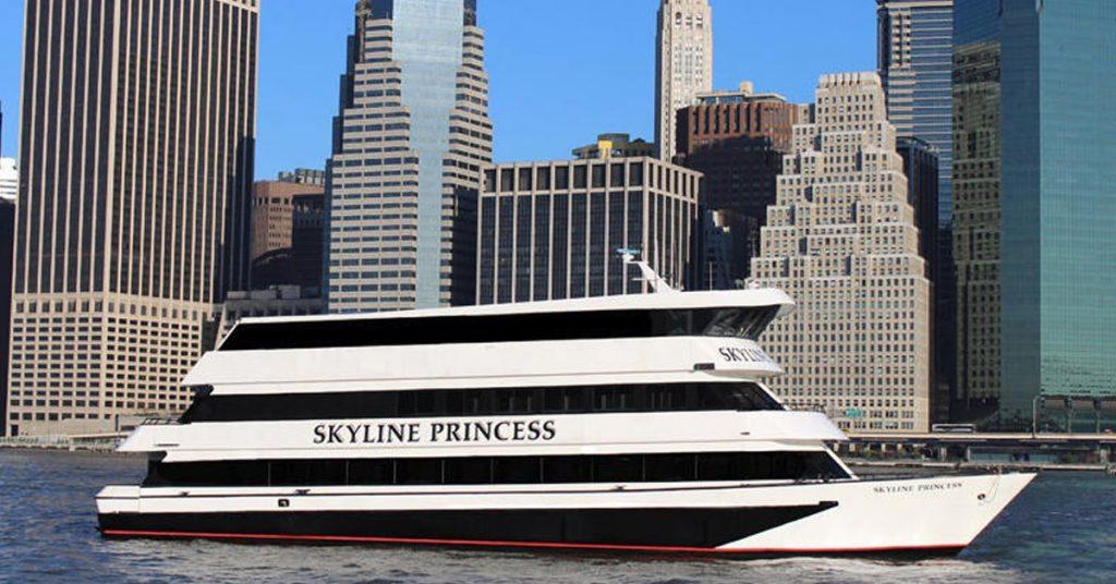 Skyline Princess infront of Skyline