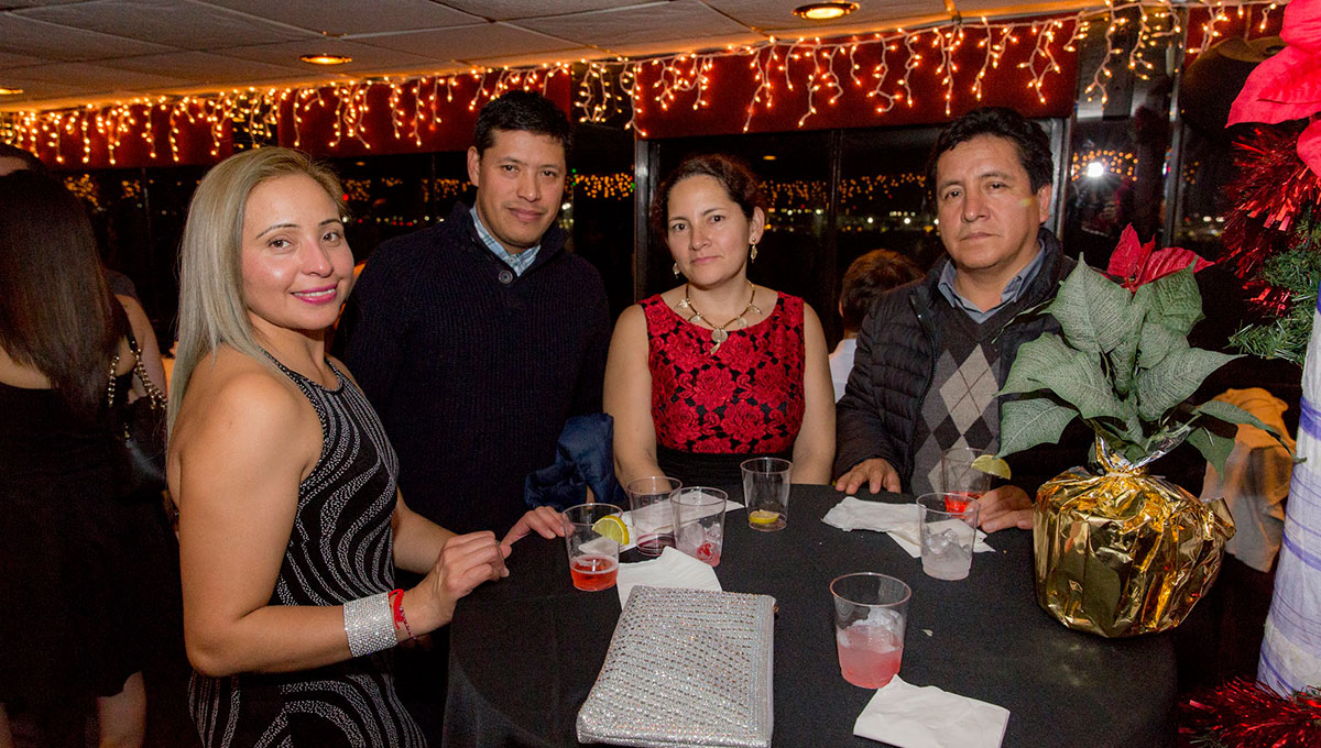 Why To Hold Your Family Holiday Party On the Skyline Princess