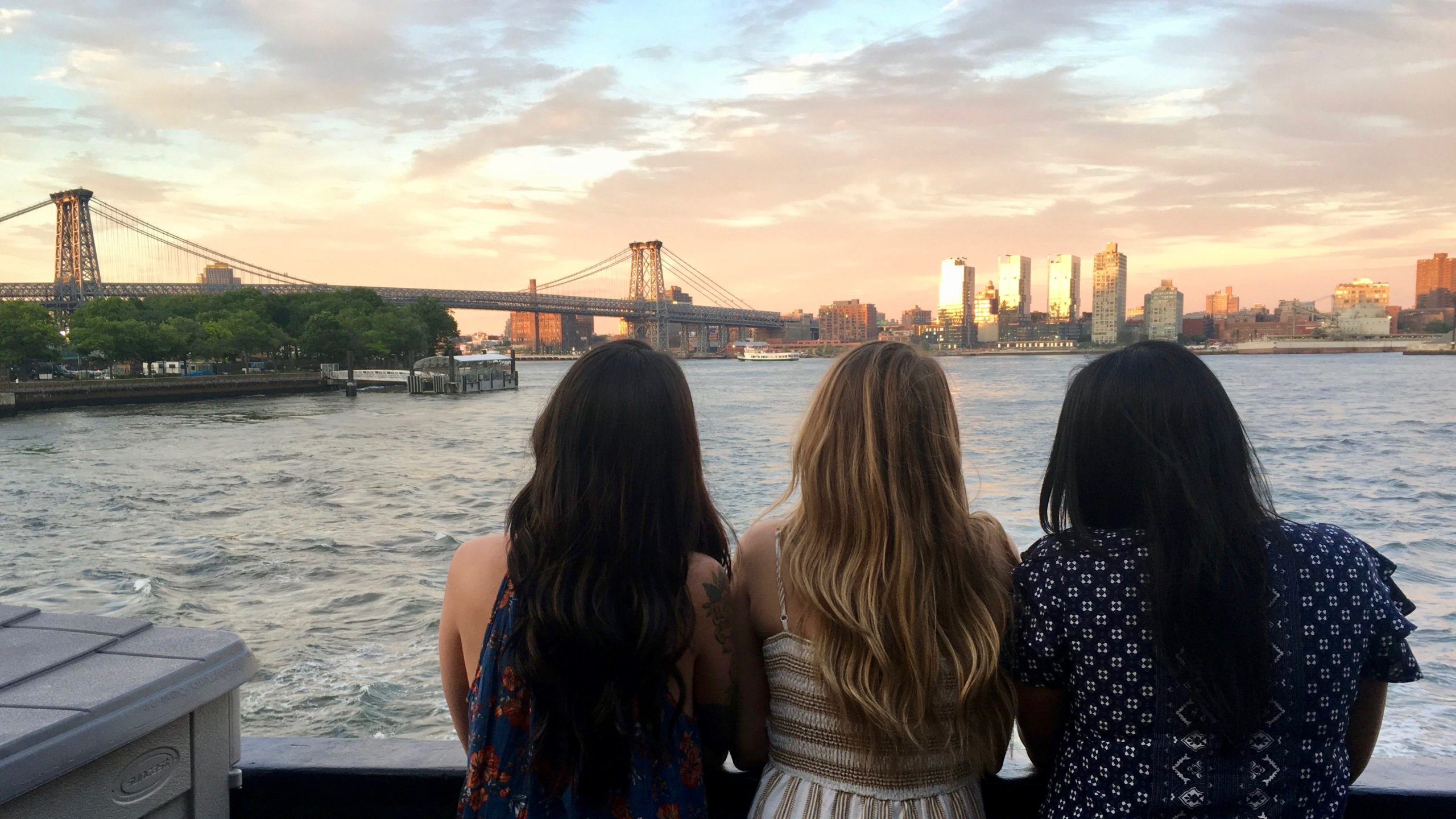 Skyline Dinner Cruises for All Ages from Skyline CruisesSkyline Dinner Cruises for All Ages from Skyline Cruises