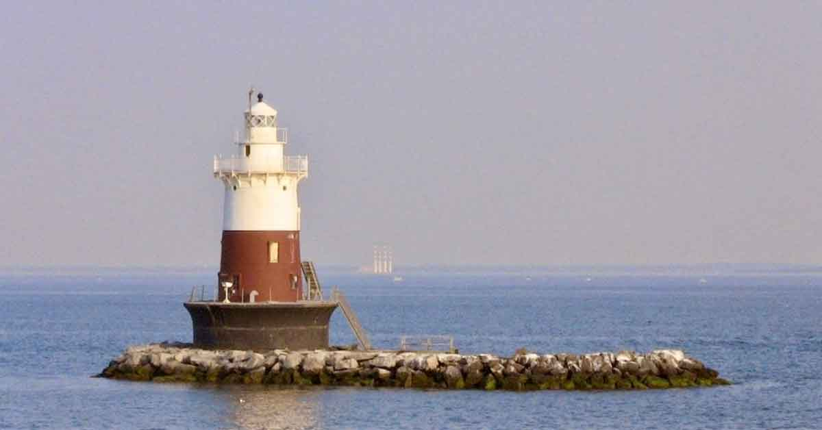 Enjoy National Lighthouse Day with Skyline Cruises